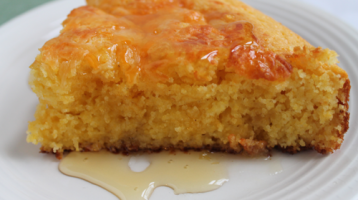 Homemade CornBread with Honey and Cheddar