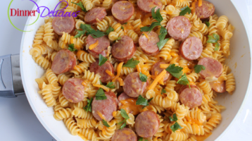 Skillet Macaroni and Cheese with Kielbasa