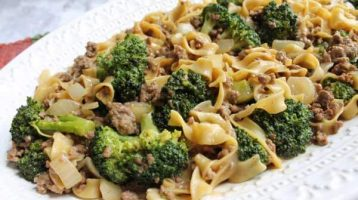 Ground Beef with Broccoli and Peanut Sauce