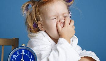 Foods to avoid giving children before bed