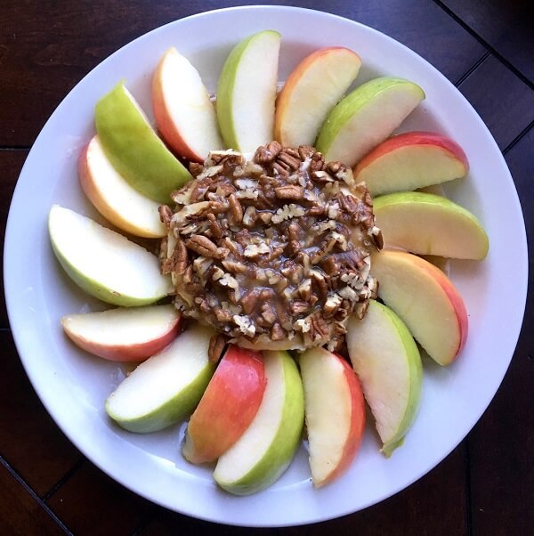 healthy apple slices