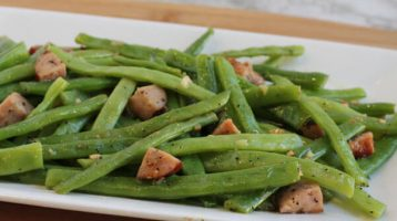 Sausage Green Beans with Garlic and Lemon