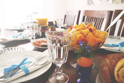 fruits to decorate your family dinner table