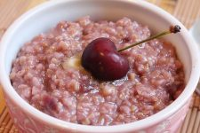 Oatmeal with Cherries