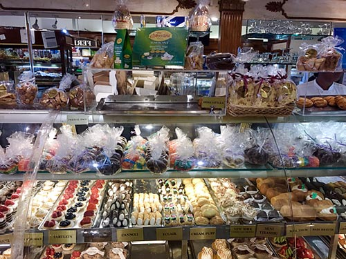 Ferrara Italian Bakery Cookie Counter, Little Italy