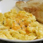 make the best cheesy eggs