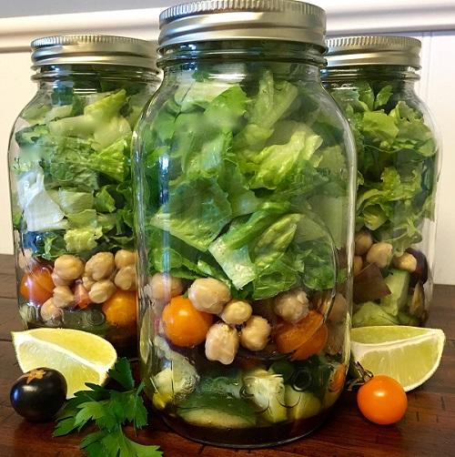 Fresh Vegetable Mason Jar Salad
