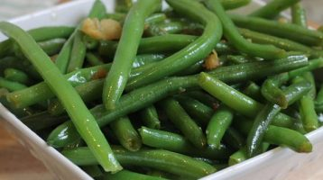 Green Beans with Garlic and Ginger Stir-Fry