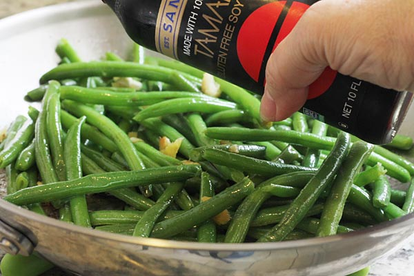 Healthy Green Beans cooked with Garlic and Ginger and Soy Sauce