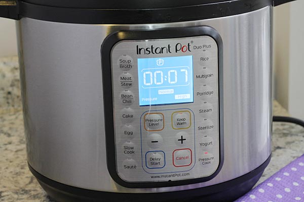 cook chicken in Instant Pot for 7 minutes