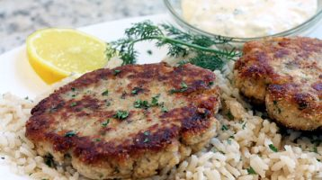 Easy Salmon Patties Using Canned Salmon