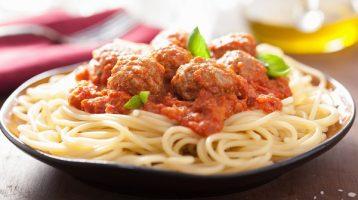 Easy Dinner of Spaghetti and Meatballs