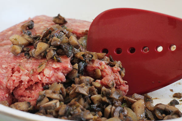 ground beef cooked with mushrooms