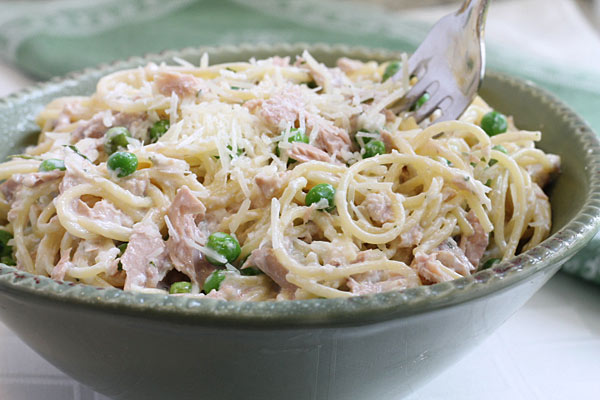 Easy Tuna Noodle Skillet Dinner