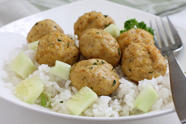 healthy chicken meatballs with rice and cucumbers