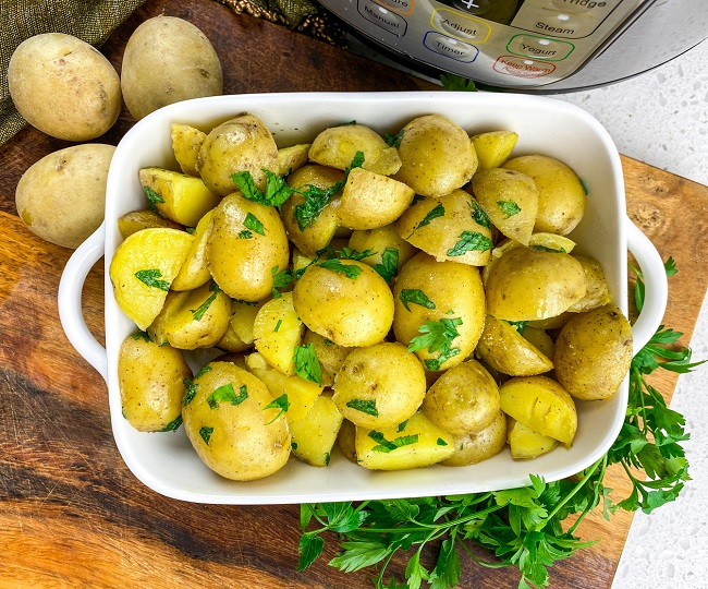 Instant Pot Butter Parsley Potatoes in bowl
